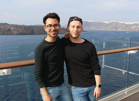 Cruise fans Heiko Rühl and Eugen Hoffmann