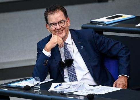"""German Development Minister Gerd Müller: """"A chain reaction could be triggered."""""""
