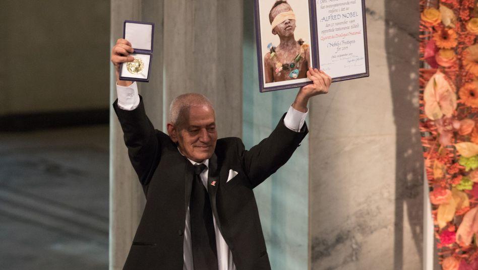 """Nobelpreisträger Abassi: Verurteilte """"barbarische und boshafte Terrorakte"""""""