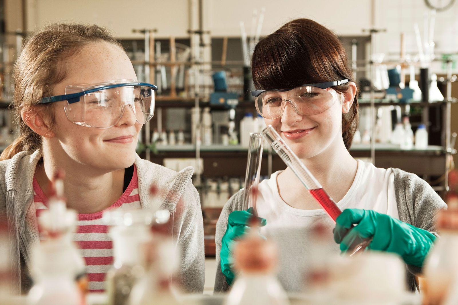 NICHT MEHR VERWENDEN! - Unterricht / Schule / Chemie