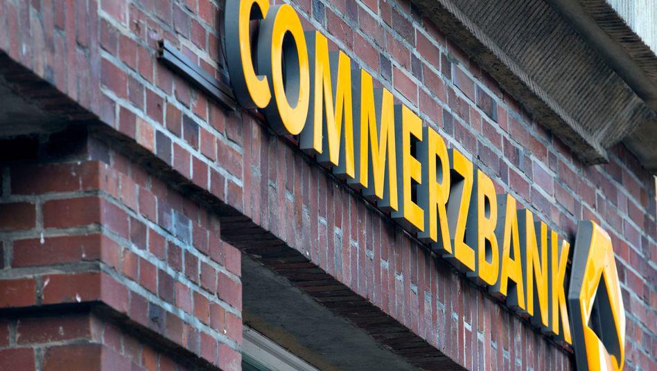 Viele Filialen fallen weg: Commerzbank-Filiale in Schwerin
