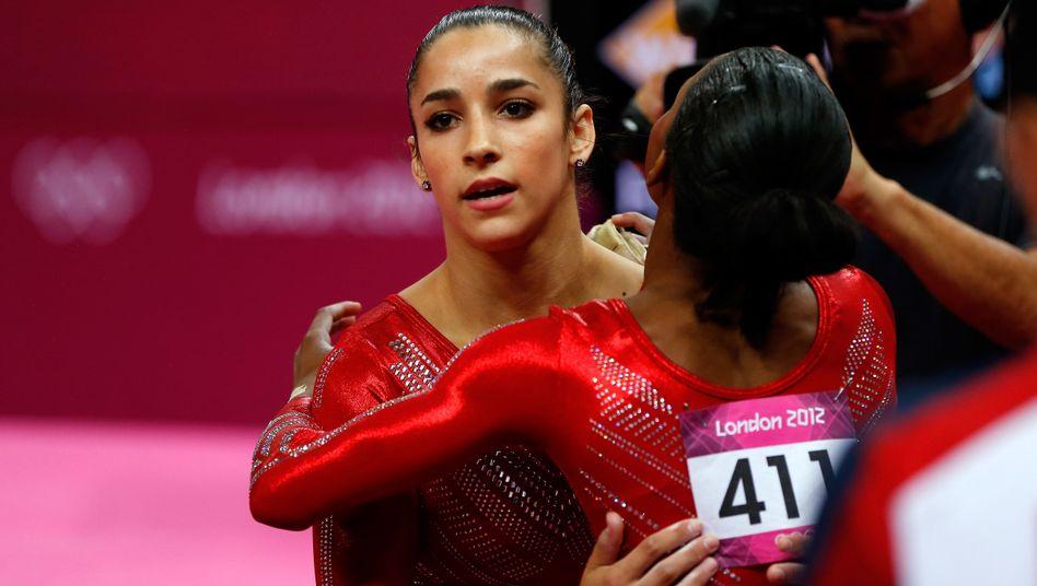 US-Turnerinnen Alexandra Raisman (l.), Gabrielle Douglas: 183,596 Punkte im Finale