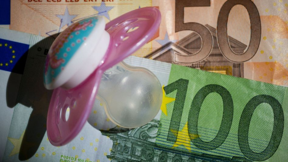 Geplantes Betreuungsgeld in Höhe von 150 Euro: Kritik aus Wirtschaft und FDP