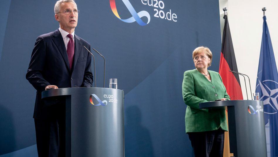 Nato-Generalsekretär Jens Stoltenberg und Bundeskanzlerin Angela Merkel