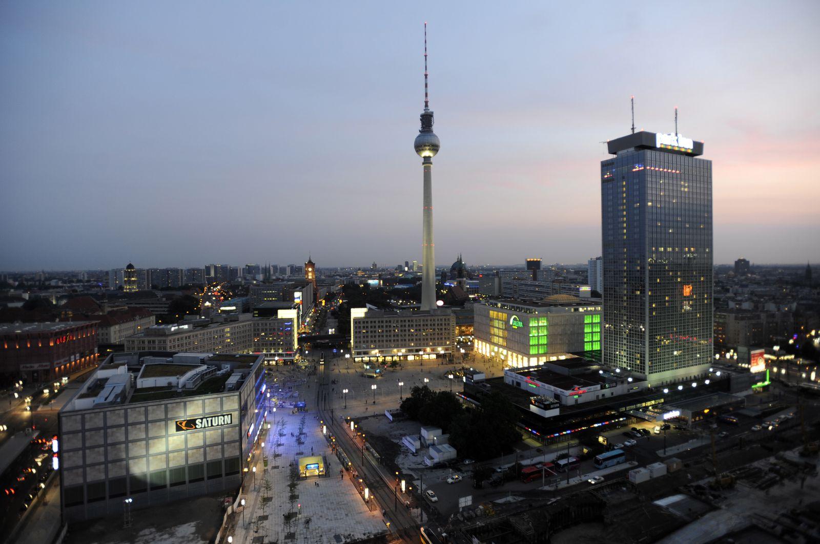 NICHT VERWENDEN Alexanderplatz Berlin Skyline Fernsehturm