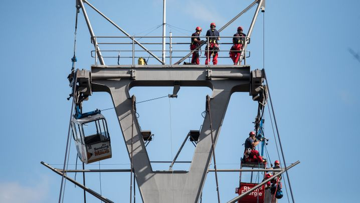 Kölner Seilbahn: Rettungseinsatz über dem Rhein