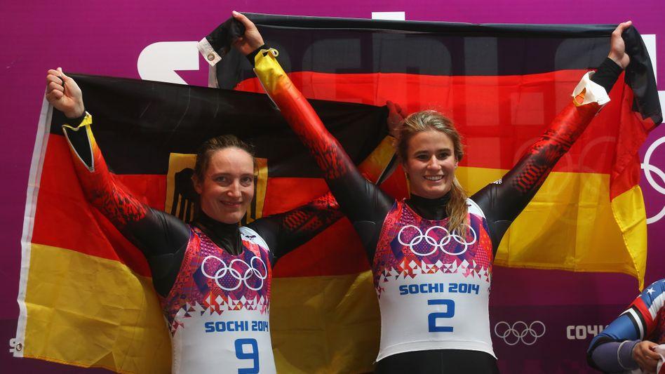 Rodlerinnen Geisenberger (rechts) und Hüfner: Gold und Silber