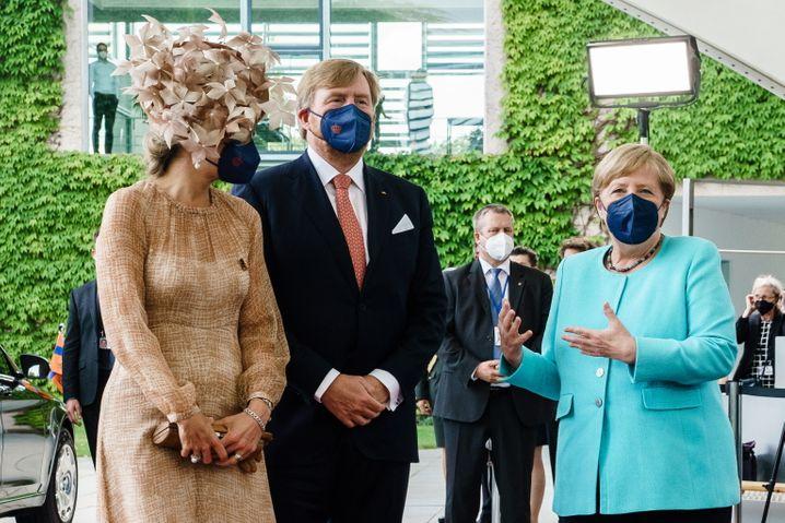 Königin Máxima, König Willem-Alexander und Kanzlerin Merkel beim gestrigen Treffen in Berlin