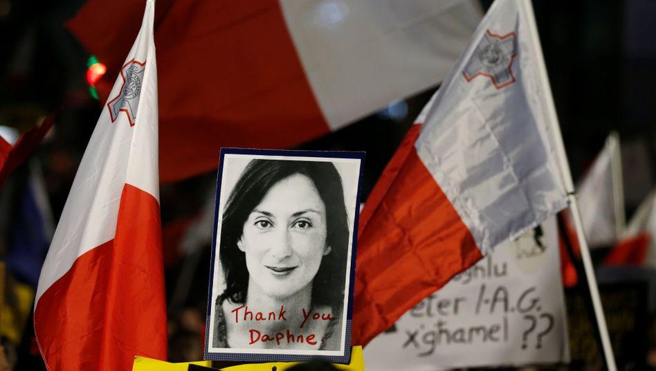 Daphne Caruana Galizia auf einem Foto: Demonstranten verlangen Gerechtigkeit (Archivbild)