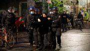 Polizei löst nicht genehmigte Versammlung von Linksautonomen auf