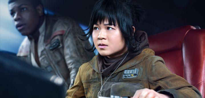 """Kelly Marie Tran als Rose und John Boyega als Finn in """"Die letzten Jedi"""""""