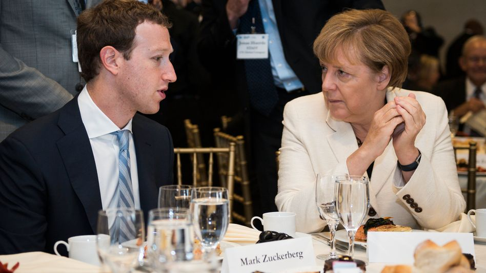 """Facebook-Gründer Mark Zuckerberg, Kanzlerin Angela Merkel: """"Ich denke, wir müssen daran arbeiten"""""""