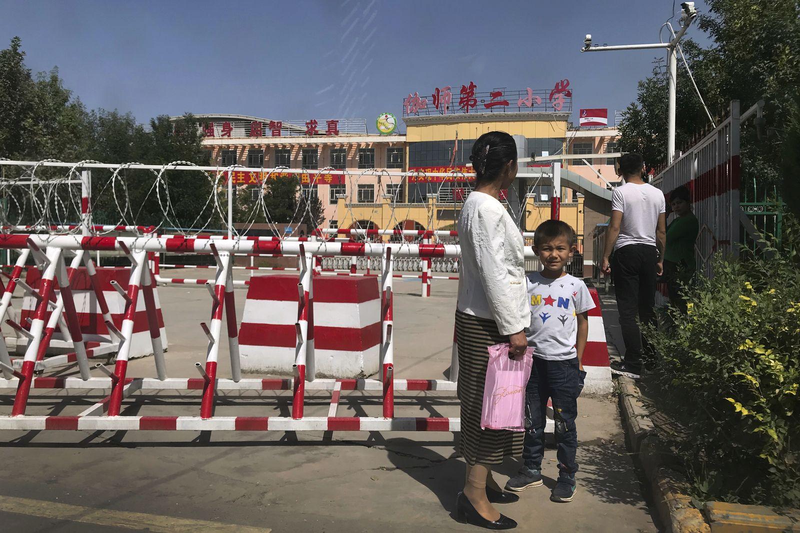 China/ Xinjiang/ Peyzawat/ Uiguren