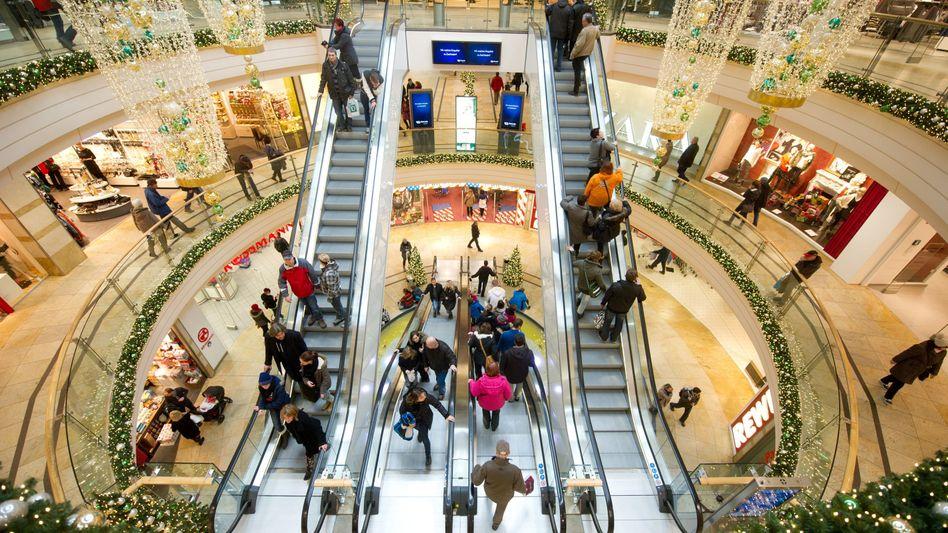 Besucher eines Einkaufszentrums: Viele kaufen spontan