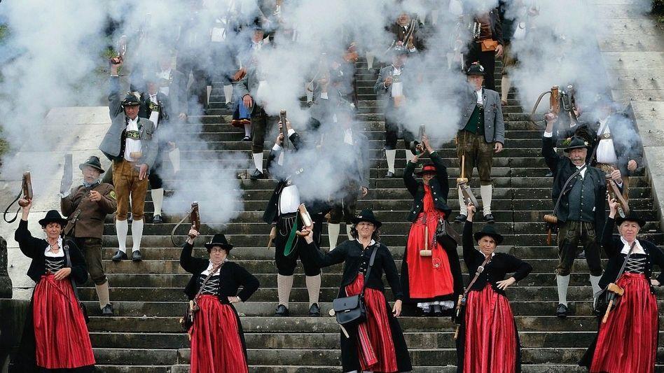 Böllerschießen auf dem Oktoberfest in München Zur Not ein Rosenkranz mehr