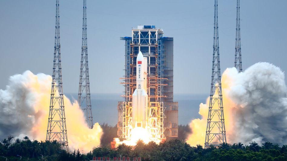 Chinesische Rakete vom Typ »Langer Marsch 5«