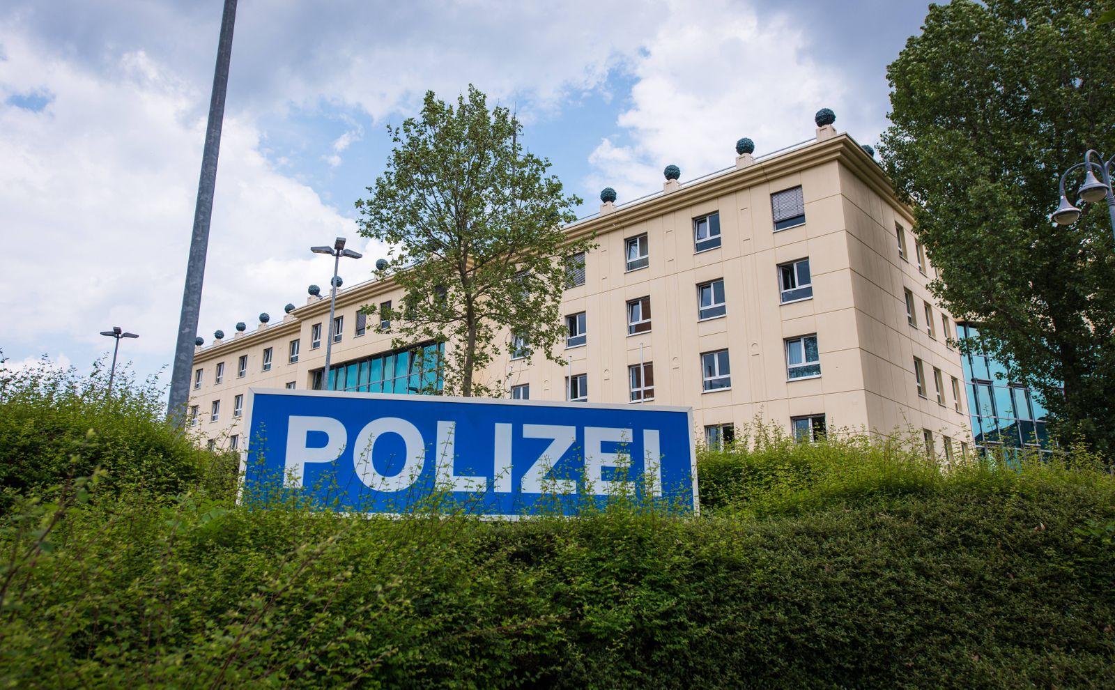 Gotha 300517 Polizei Gotha stellt Ermittlungserfolg zu Drogen und Diebesgutfund am 23 05 2017 i