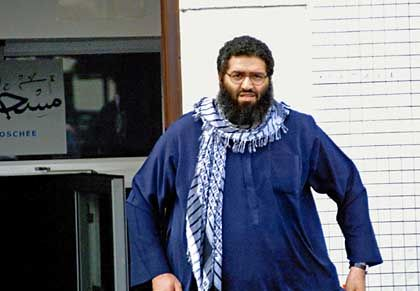 """Islamist Zammar (2001 in Hamburg): """"The law is not an Islamic law; as a consequence, I do not feel bound by it"""""""