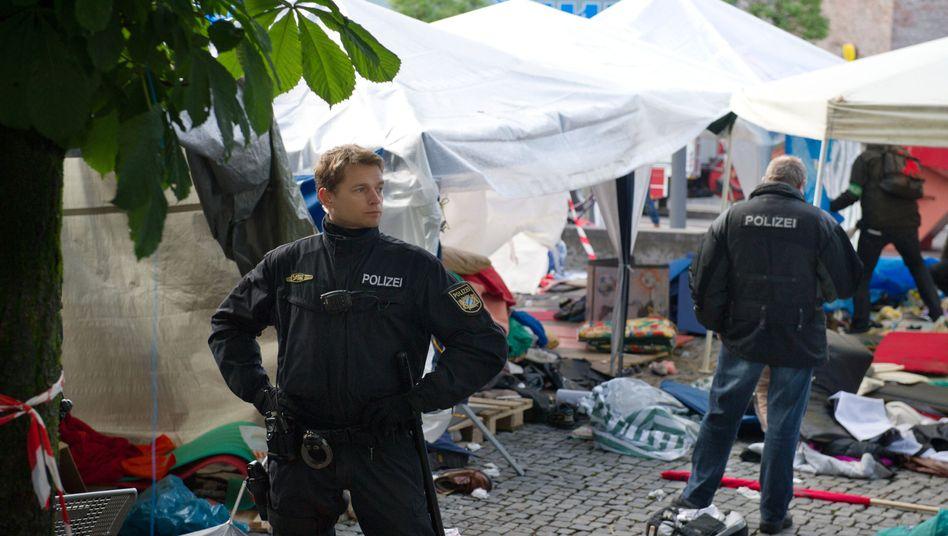 Hungerstreik: Polizei räumt Asylbewerbercamp in München