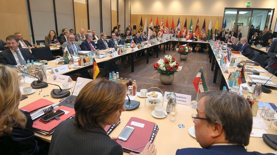 Ministerpräsidentenkonferenz im Bundesrat zum Digitalpakt (im Dezember 2018)