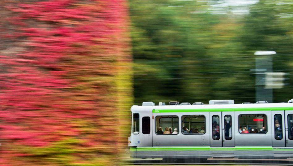 Straßenbahn in Hannover: Dobrindt will sich einer Regelung nicht verschließen