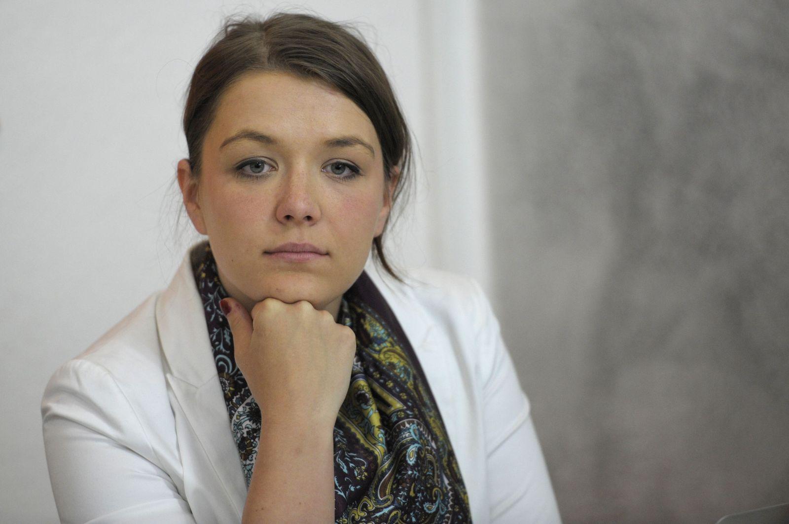 NICHT VERWENDEN Julia Schramm