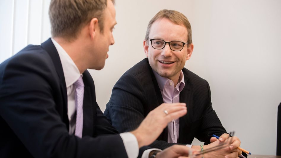 Berliner Sozialsenator Czaja (links), neuer Lageso-Chef Muschter: Kommissarische Leitung