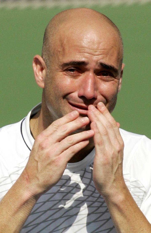 Agassi hält unter Tränen seine Abschiedsrede bei den US Open 2006