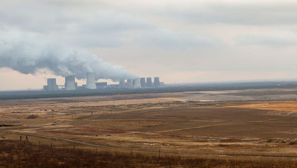 Braunkohlekraftwerk Boxberg in der Oberlausitz: Der Energiesektor soll die größten Einsparungen liefern
