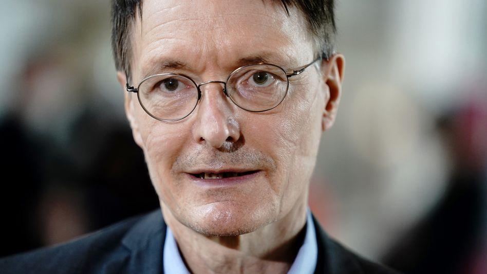 Karl Lauterbach: »Farbeimer, er sieht schrecklich aus«