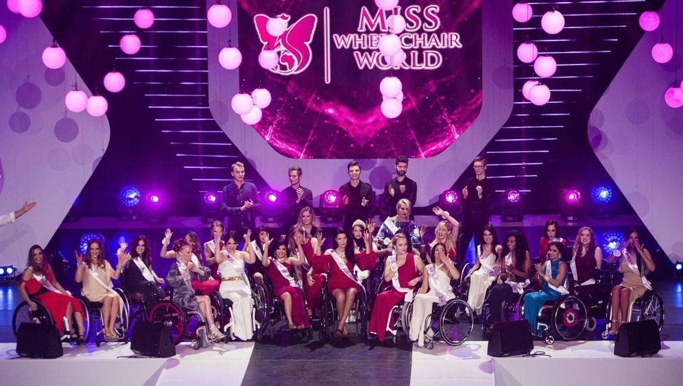 """""""Miss Wheelchair World"""": Schönheiten im Rollstuhl"""