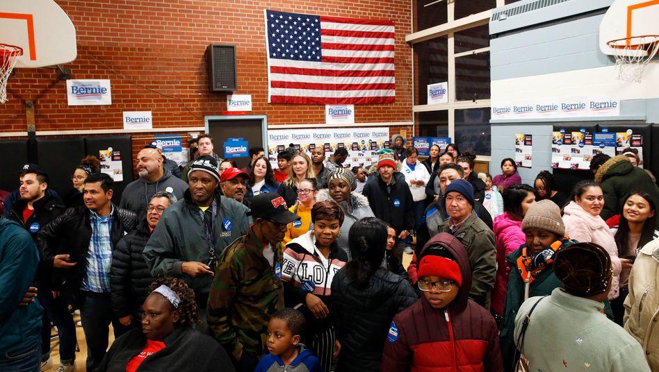 Bernie-Unterstützer in einem Wahllokal in Cedar Rapids, Iowa.