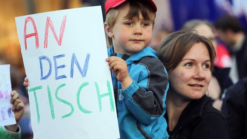Demonstrationsteilnehmer in Hamburg: Wochenlanger Streik