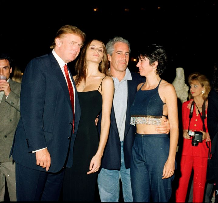 Früher beste Freunde: Trump, seine spätere Frau Melania, Epstein, Vertraute Maxwell (2002)