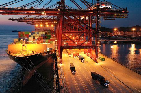 Containerhafen Ningbo-Zhoushan: Schiffe konnten lange nicht abgefertigt werden