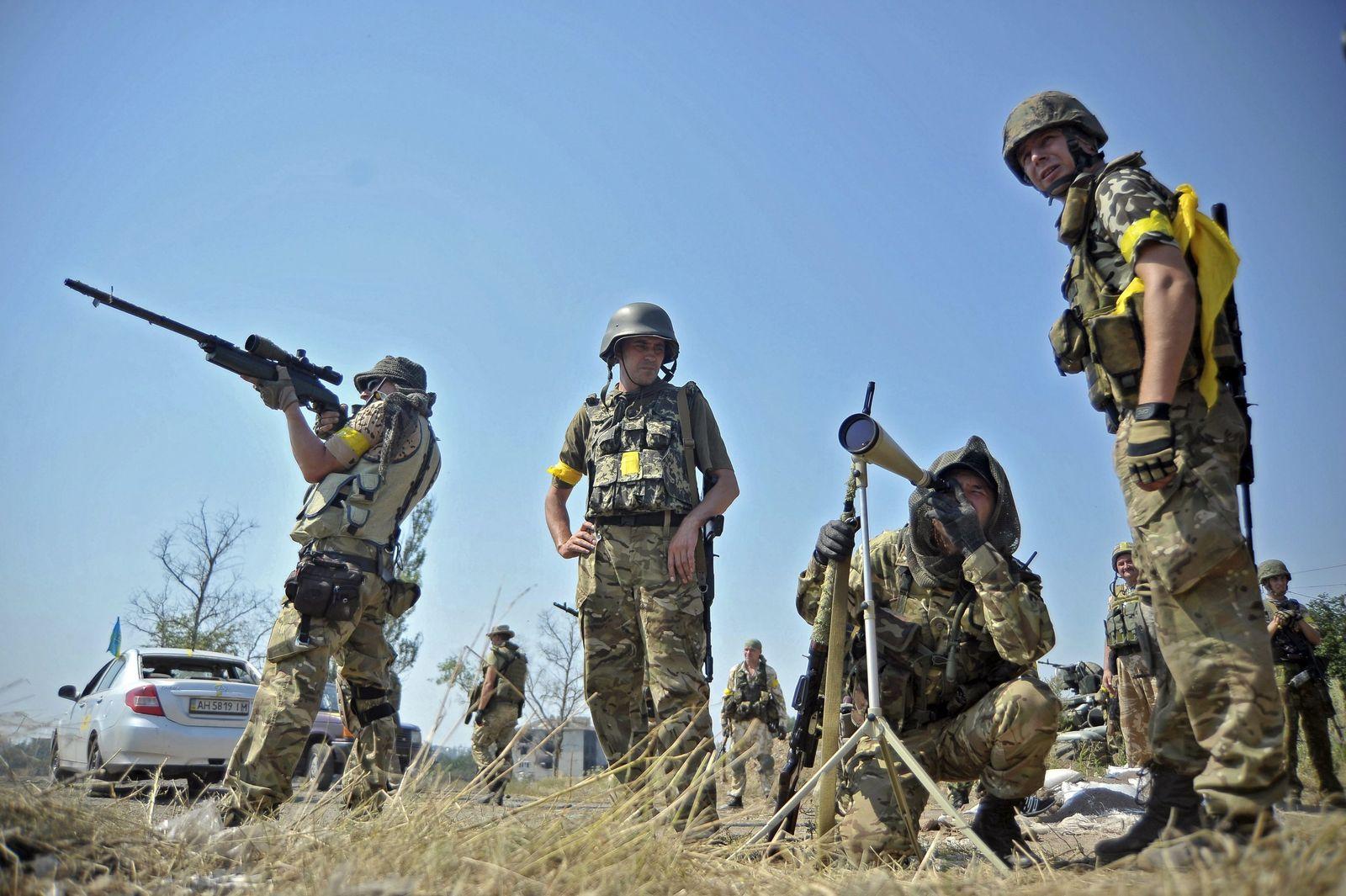 At least 19 killed, 97 injured in eastern Ukraine fighting