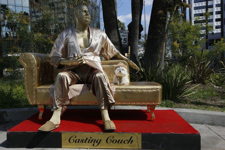 Weinstein-Skulptur des Straßenkünstlers Plastic Jesus