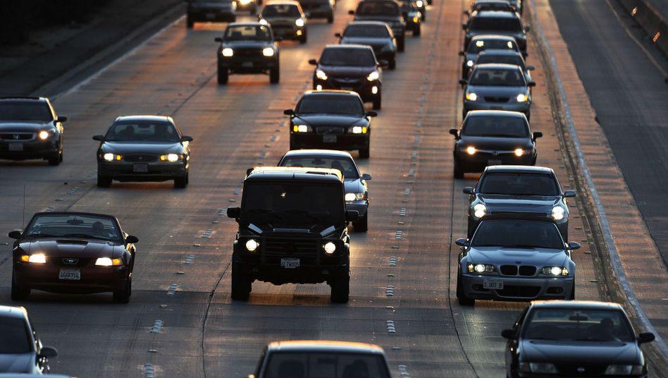 Autos auf einem Freeway in Kalifornien: Hilflose Vorschläge gegen klamme Kassen