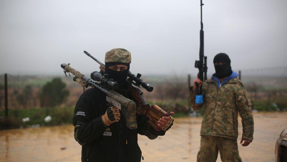 Von der Türkei unterstützte Milizionäre in Nordsyrien