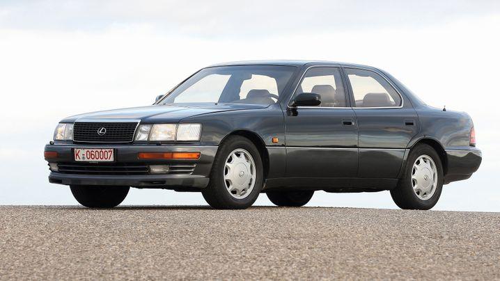 Lexus LS 400: Luxus im Tarnkleid