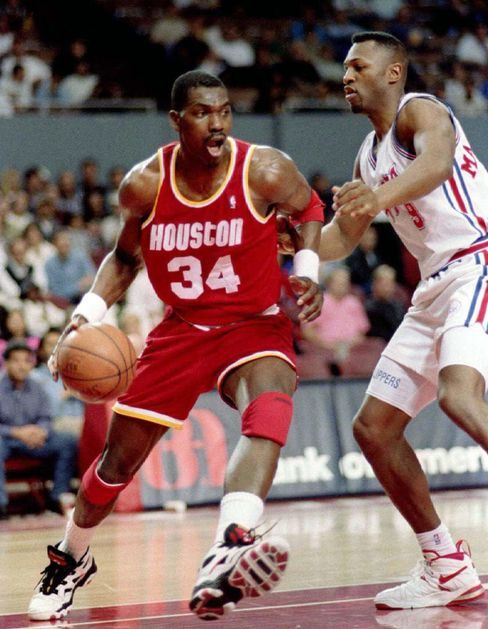 Der gebürtige Nigerianer Hakeem Olajuwon war in den Neunzigerjahren einer der besten Spieler der NBA, spielte aber nie für Nigeria
