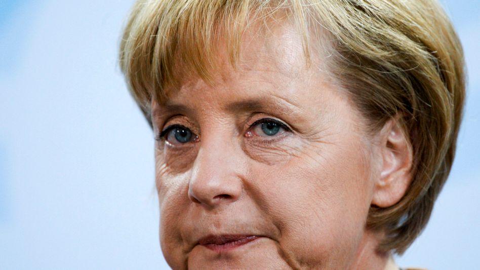 Bundeskanzlerin Merkel: Schwarz-Gelb in Gefahr