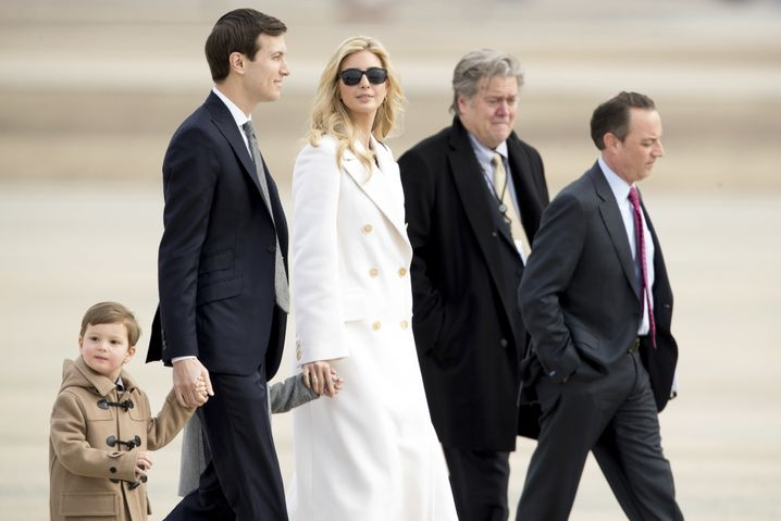 """""""Javanka"""" together with Bannon and Priebus"""
