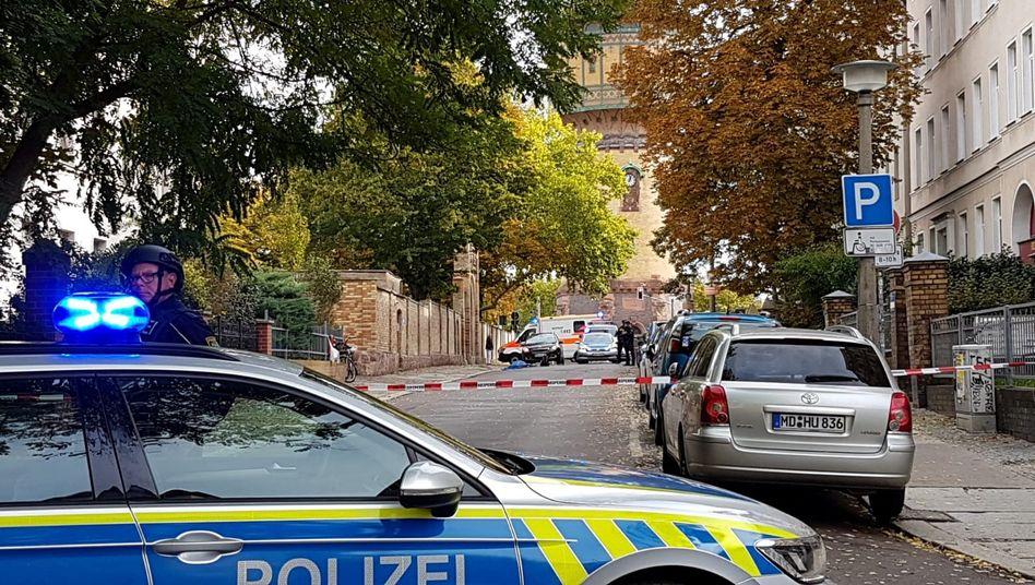 """Absperrungen in Halle nach tödlichen Schüssen: Oberbürgermeister spricht von """"Amoklage"""""""