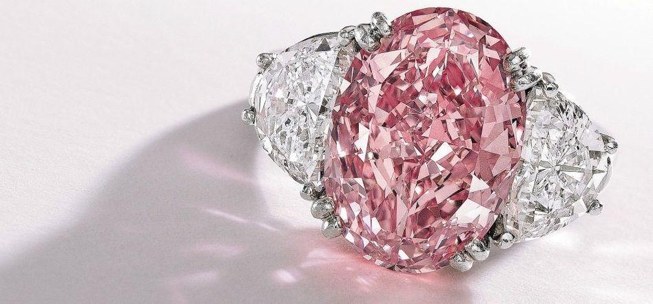Versteigerter rosa Diamantring