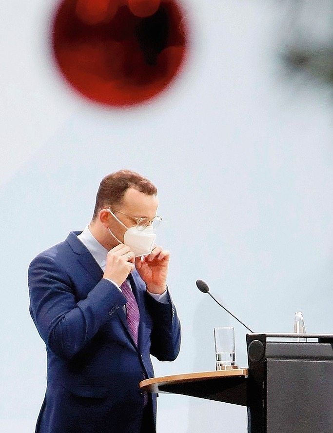 German Health Minister Jens Spahn: Many who use the country's coronavirus warning app aren't registering their positive test results.