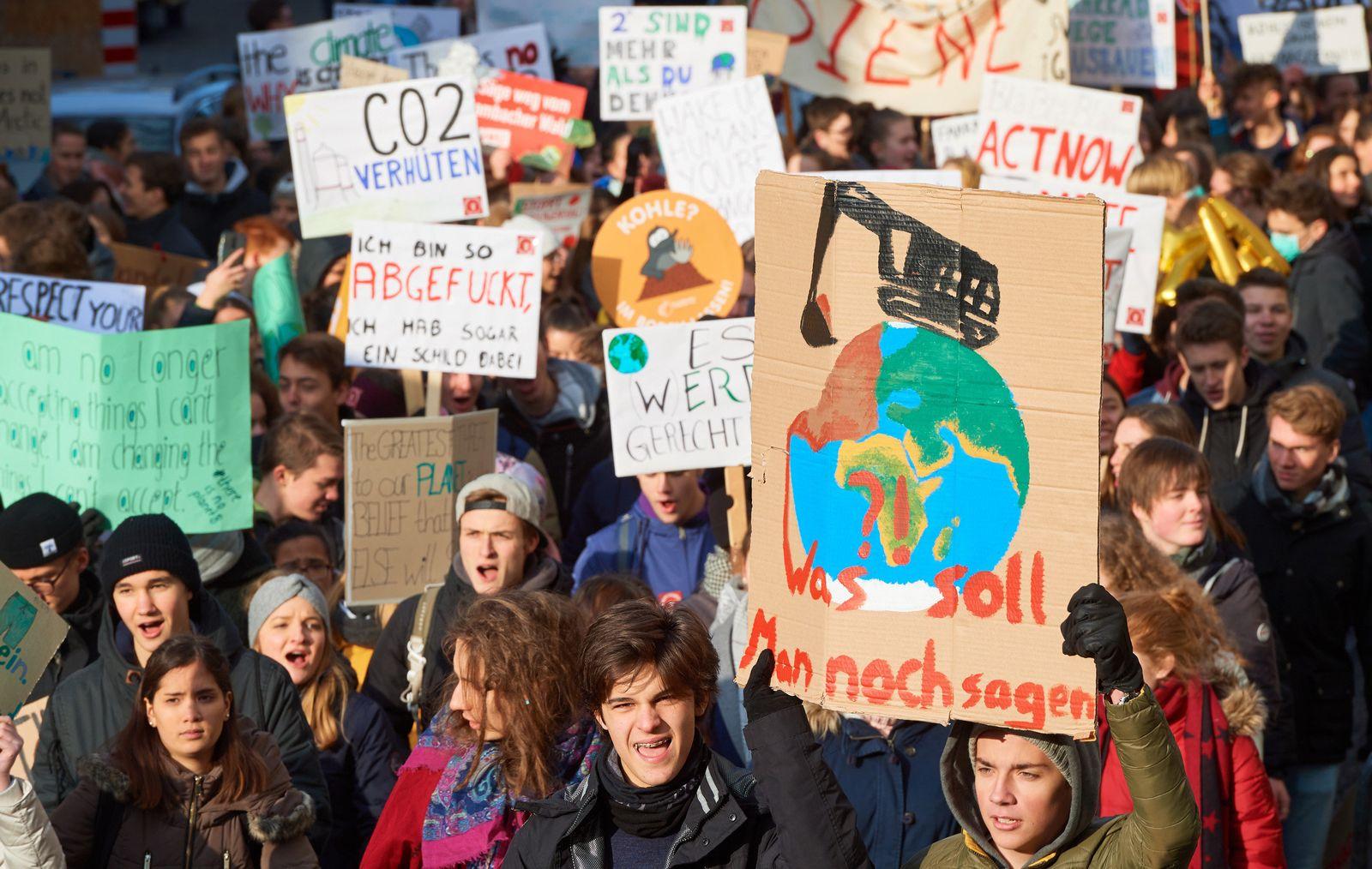 Schülerdemo Klimaschutz/ Bonn