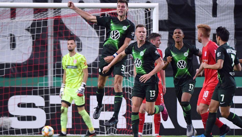 Der VfL Wolfsburg bejubelte seinen Sieg gegen Halle
