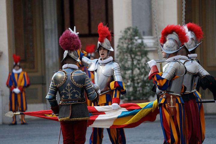 Am 4. Oktober wurden die neuen Rekruten der Schweizergarde vereidigt.