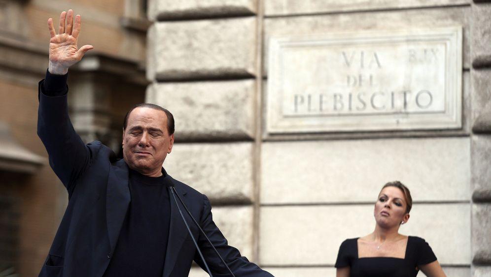 Der Cavaliere: Berlusconi und seine Frauen